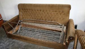 Извозване и изхвърляне на диван