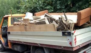 Изхвърляне на мебели в София и региона с транспорт на мебели