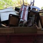 Демонтиране и събиране на стари мебели