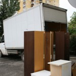 Изхвърляне на мека мебел и холна секция