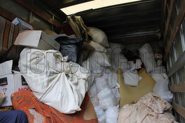 Изхвърляне на отпадъци от мазе