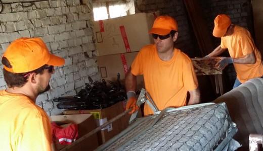 Почистване на мебели и вещи от жилище в София цени